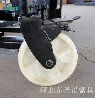 1吨液压堆高车可刹车后轮--河北东圣吊索具制造有限公司
