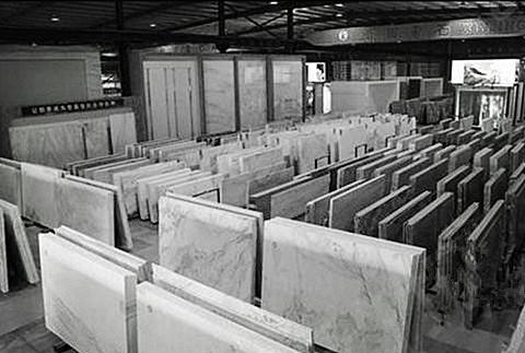 石材吊夹作业仓库--河北东圣吊索具制造有限公司--石材夹具|小型搅拌机|液压堆高车|手动叉车