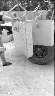 F-17吊环石材吊夹作业现场--河北东圣吊索具制造有限公司--石材夹具|液压堆高车|手动叉车|小型搅拌机