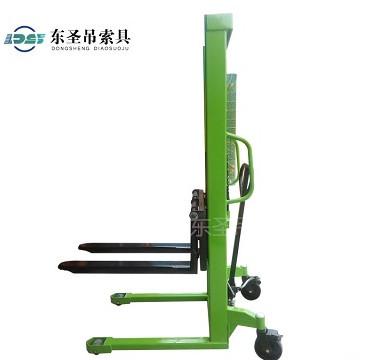 手动液压堆高叉车--河北东圣吊索具制造有限公司--液压堆高车|手动叉车|小型搅拌机|石材夹具